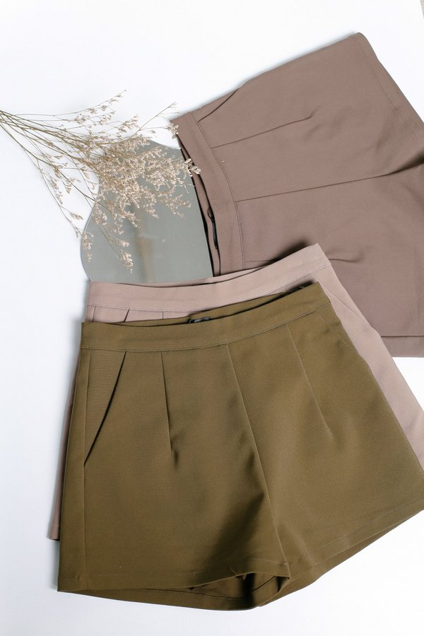 *TPZ* BEVERLY SHORTS IN OLIVE