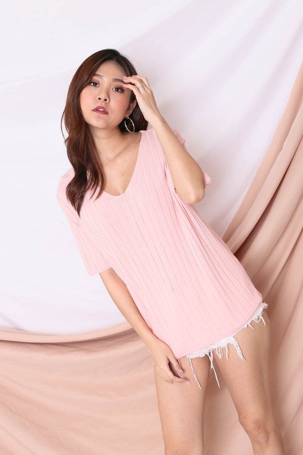 QRAL SLOUCH KNIT TOP IN BABY PINK
