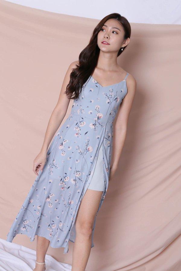 *TPZ* (PREMIUM) SHAILA DRESS IN DUSTY BLUE FLORALS