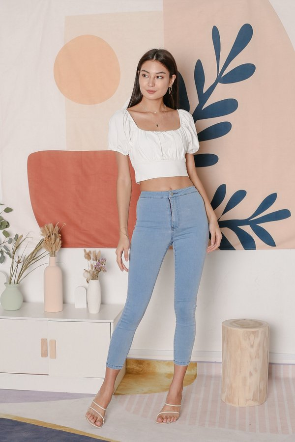 *TPZ* WISELLE RUCHED BASIC TOP IN WHITE