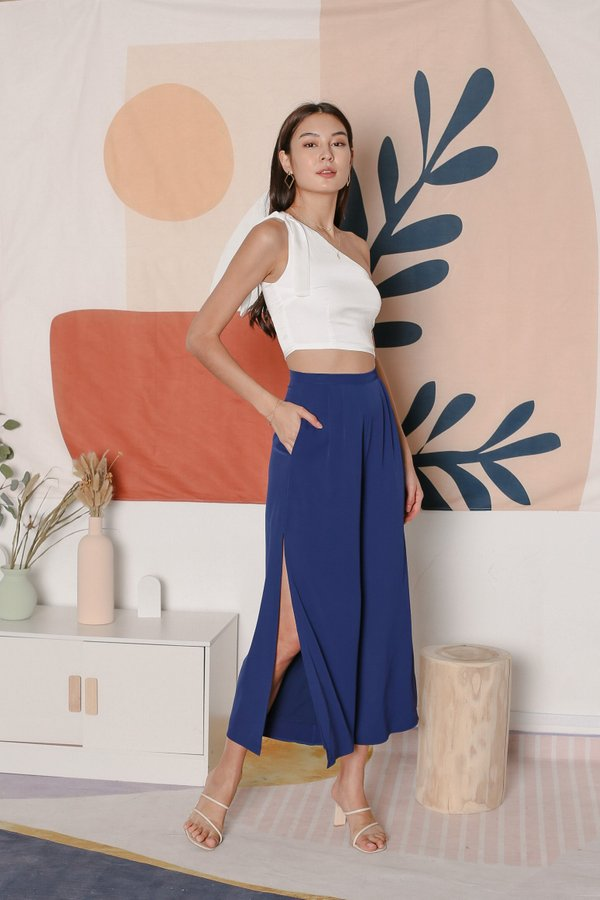 *TPZ* A CUT ABOVE THE REST SLIT PANTS IN MIDNIGHT BLUE