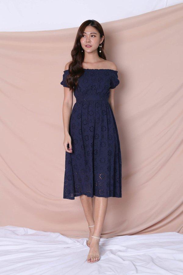 *TPZ* (PREMIUM) YULA EYELET DRESS IN NAVY