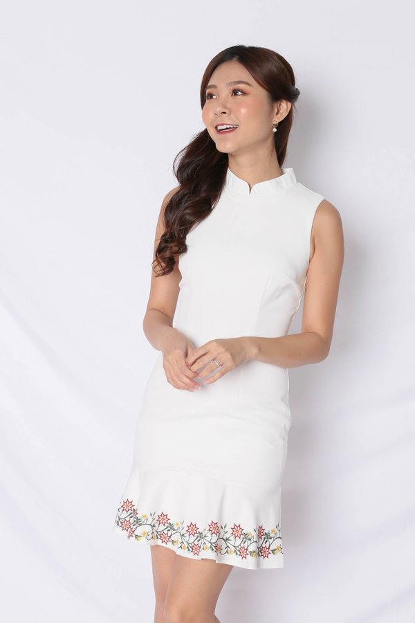 *TPZ* (PREMIUM) DING EMBROIDERY REMOVABLE COLLAR DRESS IN WHITE