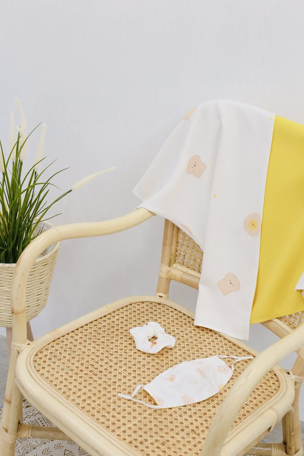 *TPZ* TOAST AND EGG REVERSIBLE KIMONO COLLECTIBLE SET (WHITE/ SUNSHINE) *WITH MASK & SCRUNCHIE*