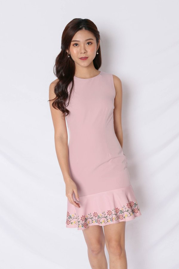*TPZ* (PREMIUM) DING EMBROIDERY REMOVABLE COLLAR DRESS IN DUSTY PINK