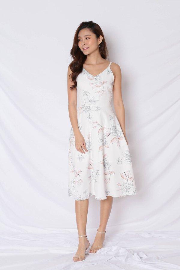 *TPZ* (PREMIUM) SELVIA DRESS IN WHITE FLORALS
