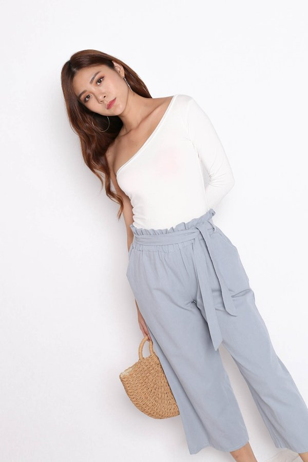 TOGA LONG SLEEVES TOP IN WHITE