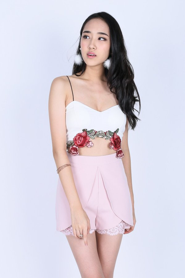 CORINNA ROSE EMBROIDERY CROP TOP IN WHITE