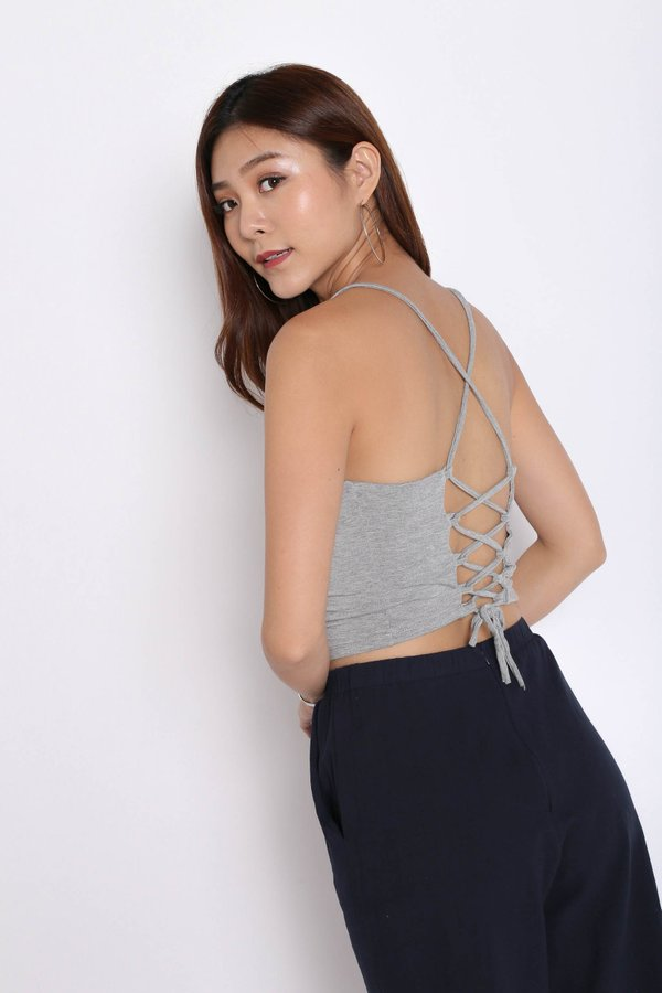 BASIC LACED BACK TOP IN LIGHT GREY