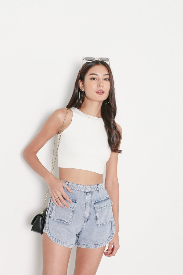 *TPZ* DUALITY 2 WAYS RACER TOP IN WHITE *WITH SCRUNCHIE*