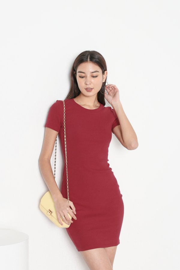 *TPZ* IN REALITY RIBBED KNIT DRESS IN RASPBERRY