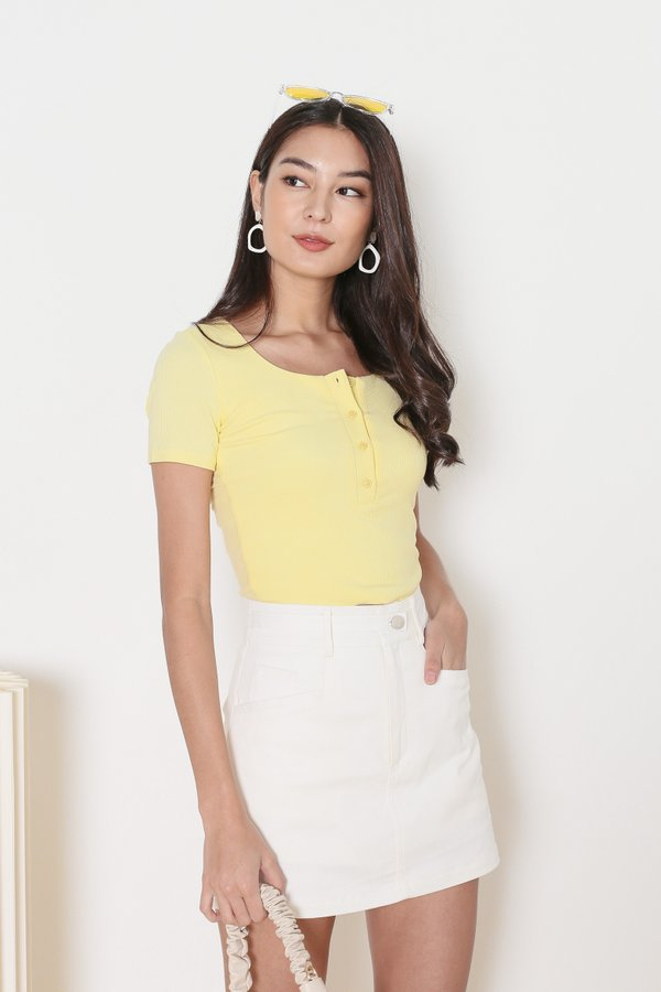 *TPZ* TAKE IT EASY RIBBED TOP IN BUTTERMILK YELLOW *WITH SCRUNCHIE*