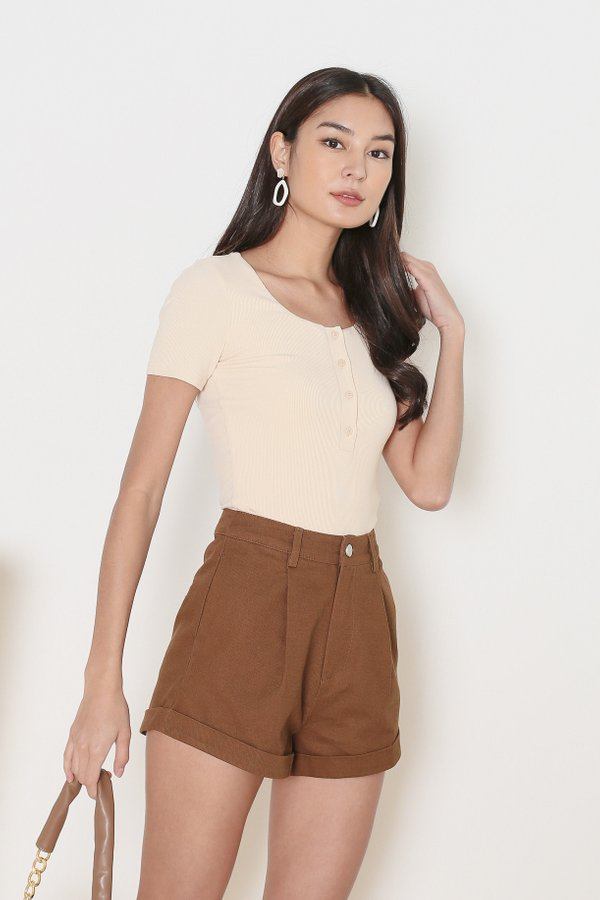 *TPZ* TAKE IT EASY RIBBED TOP IN ECRU *WITH SCRUNCHIE*
