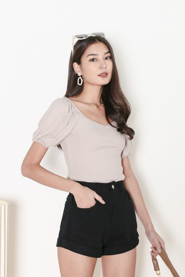 *TPZ* CRUSH SWEETHEART BASIC TOP IN LIGHT TAUPE
