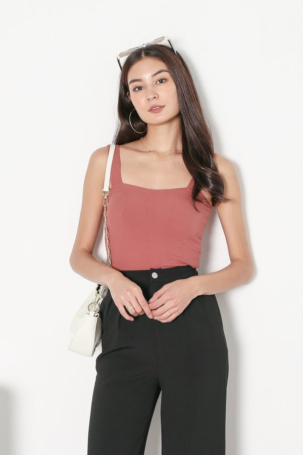 *TPZ* DEFINE PADDED TOP IN CORAL