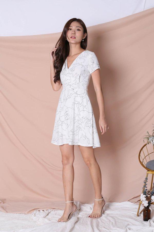 *TPZ* (PREMIUM) DEAN SCRIBBLE DRESS IN WHITE