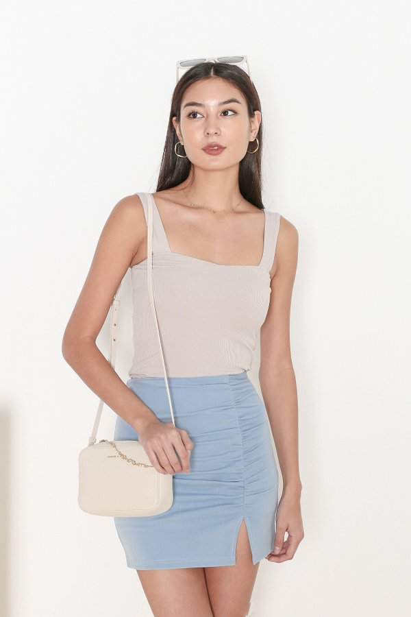 *TPZ* DEFINE PADDED TOP IN LIGHT TAUPE