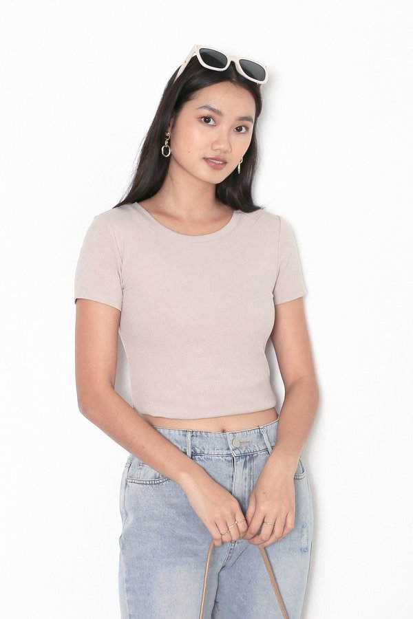 *TPZ* ERR DAY BASIC TOP IN LIGHT TAUPE